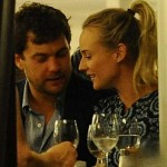 Joshua Jackson: Men should always pay on dates