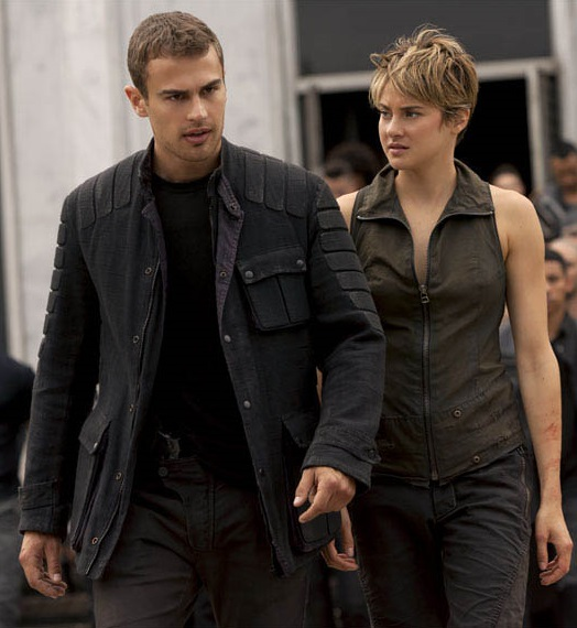 Theo James and Shailene Woodley in The Divergent Series: Insurgent