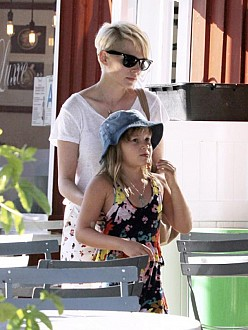 michelle-williams-and-matilda-174804