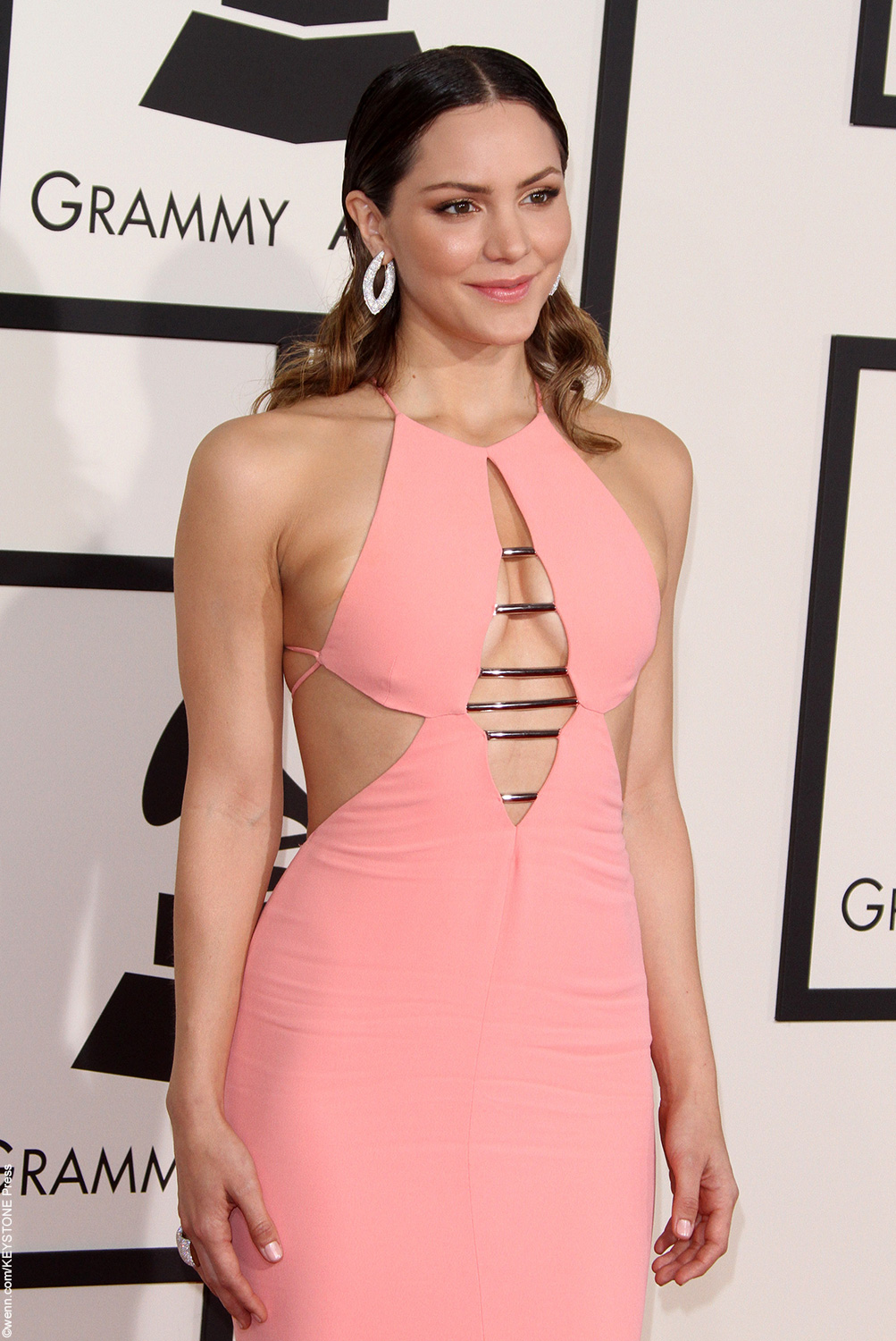 Although she didn't wind up as a successful recording artist despite her amazing vocals, Katharine McPhee has had success on the small screen.The season five runner-up, coming in second to Taylor Hicks (Taylor has since starred on Broadway inGrease), Katharine starred in the musical TV seriesSmash. Unfortunately, Katharine, married to Nick Cokas in 2008, attracted […]