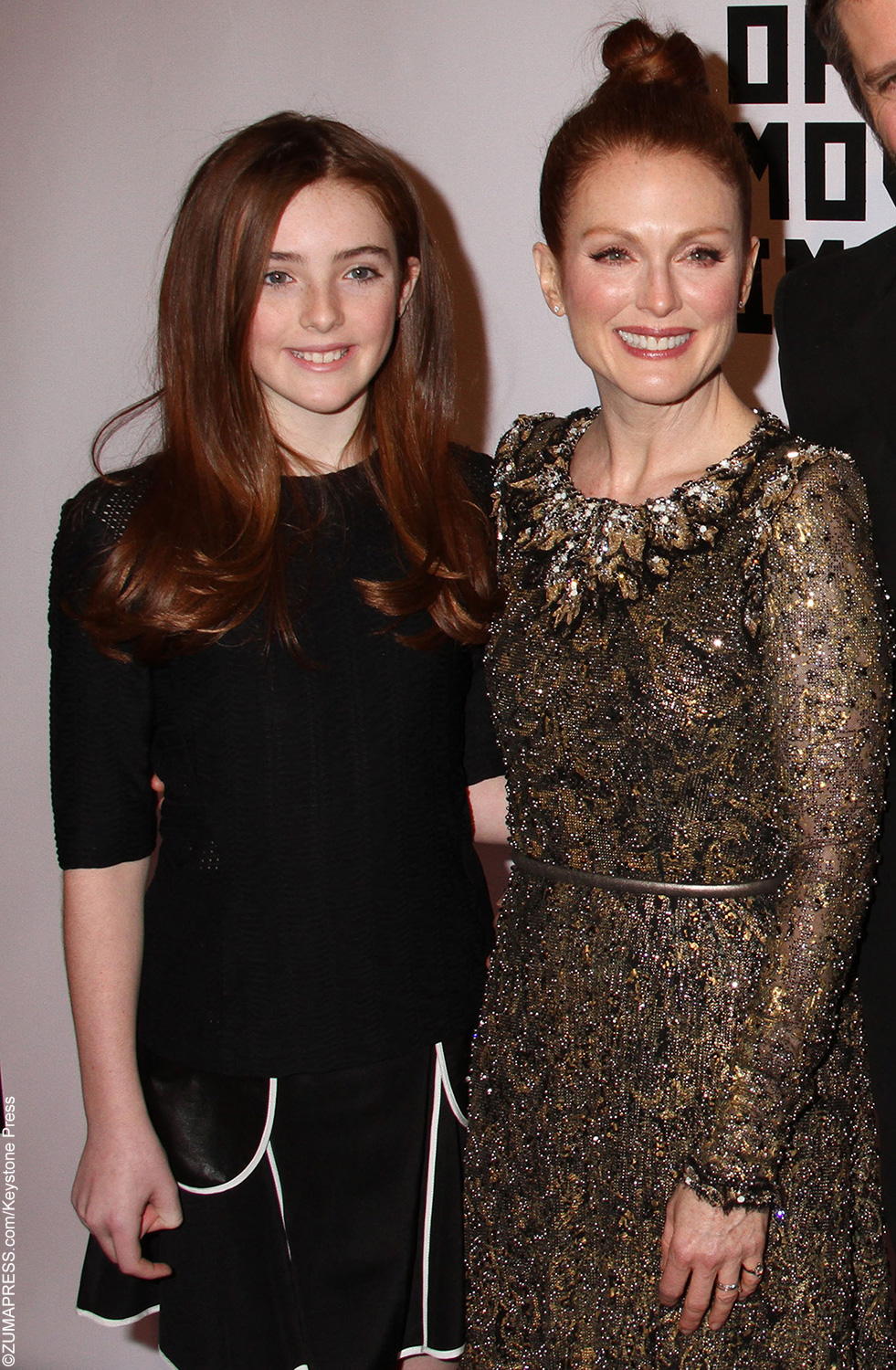 Julianne Moore's daughter Liv Freundlich, whose father is director BartFreundlich, is the spitting image of her mother. Both have long deep-red locks – Liv's got some amazing genes.