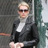 Emma Roberts gets book gift from Jamie Lee Curtis