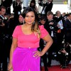 Mindy Kaling jokes about sex with Bill Cosby