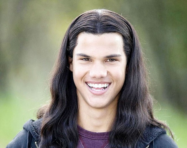 The sad part about this one is that this is completely unintentional. According to the first two Twilight books, Jacob has long, flowing, dark locks. Vis-à-vis, movie Jacob must have them. But in real life, Taylor Lautner did not. So they stuck a wig on him — evidently from Party Packagers.
