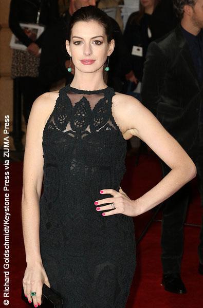 Anne Hathaway at The Intern European premiere