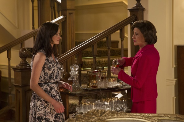 Rory Gilmore and Emily Gilmore at Friday night dinners
