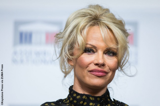 "Eisoptrophobia is a fear of reflective objects (i.e., mirrors), so you can imagine how inconvenient that would be for anyone who isn't looking to rock crooked eyebrows on a daily basis. Playboy model and Baywatch star Pamela Anderson, renowned for her all-American good looks, told the Daily Mail, ""I have this phobia — I don't […]"