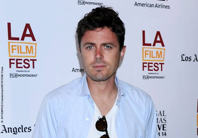 Casey Affleck's disdain for the meat industry is well documented, with the Ocean's Eleven actor once appearing in a banned PETA public service announcement (PSA) taking aim at the industry's abuse of animals. Television networks refused to air it until it was toned down. In the powerful ad, he reveals why he doesn't eat meat […]