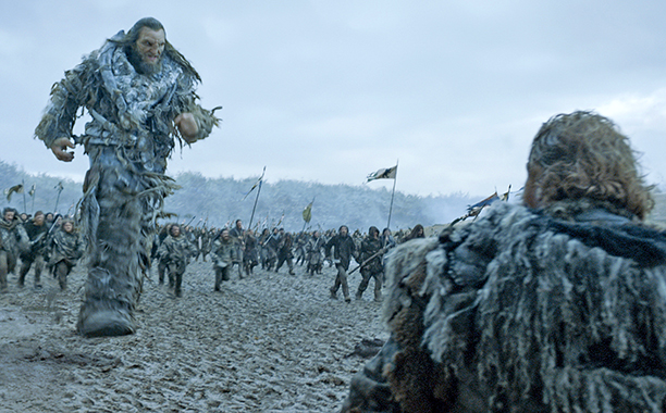 Wun Wun fights for Jon Snow.