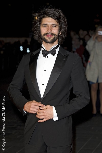 ben whishaw in talks for mary poppins returns