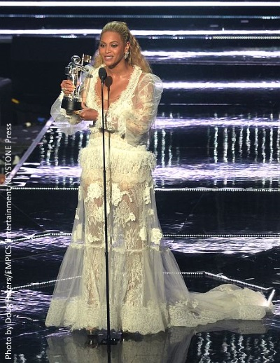 Beyonce steals the show at MTV VMAs