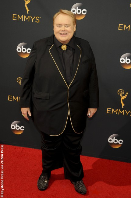 Louie Anderson may have picked up the Emmy for Best Supporting Actor in a Comedy Series, but his look won him no prizes. The Baskets star looked frumpy, unkempt and out of place in his black tux, which was ill-fitting and did him no favors.