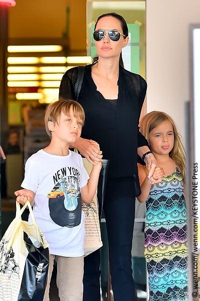 Angelina Jolie, Knox and Vivenne