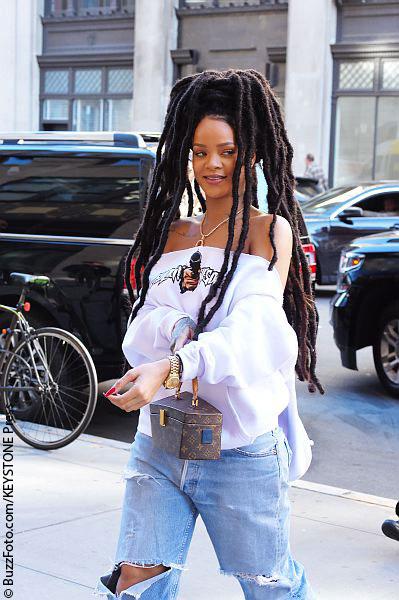 Rihanna pleads for help as backup dancer goes missing