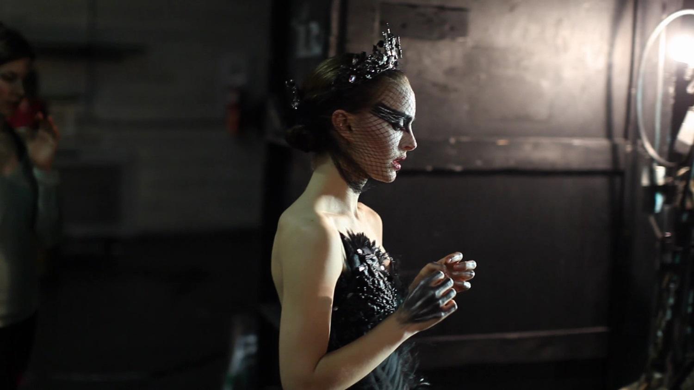 Black swan movie theaters — 14