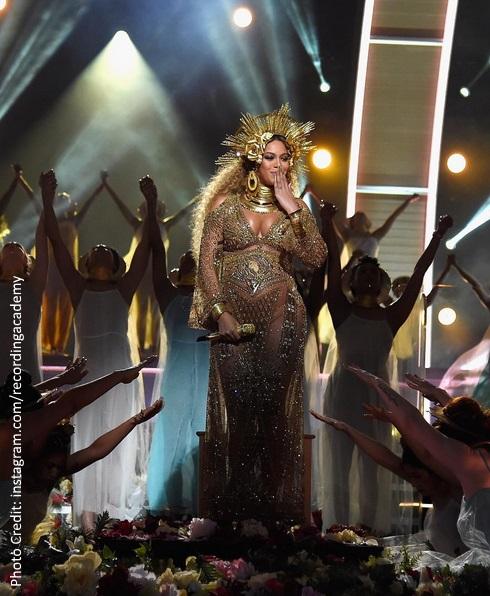 Beyoncé's Grammys 2017 performance