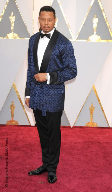 We're all about men experimenting with fashion on the red carpet, but Terrence Howard's effort just didn't do him any favors. The smoking jacket looked like a pajama piece and we're firm believers that style should never be compromised for comfort. Terrence's look was made up of a La Perla suit, Christian Louboutin loafers, and […]