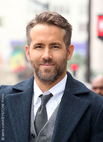 Ryan Reynolds Named Man Of The Year By Harvard 171 Celebrity