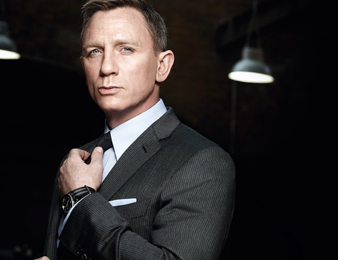 Daniel Craig to sign on to play Bond one more time.