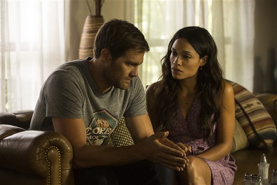 Geoff Stults and Rosario Dawson