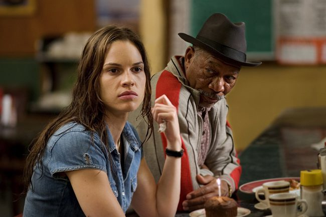 While Hilary Swank was trying to make it in showbiz after moving Los Angeles, she and her mother were forced to live out of a car, although for a while, a friend let them sleep in a house they were selling. Thankfully, their luck started to change once Hilary got more and more acting gigs. […]