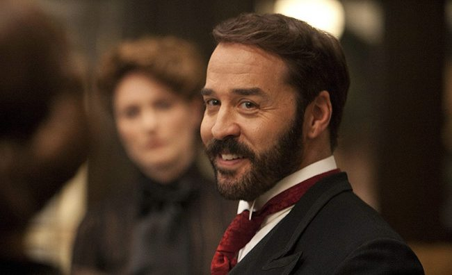 Best known for his role in the hit series Entourage, Jeremy Piven was accused in 2017 by reality star Ariane Bellamar of sexually assaulting her while she was on the set of the show, playing a small role. She also said he sent her explicit and abusive text messages. Piven quickly denied the allegation.
