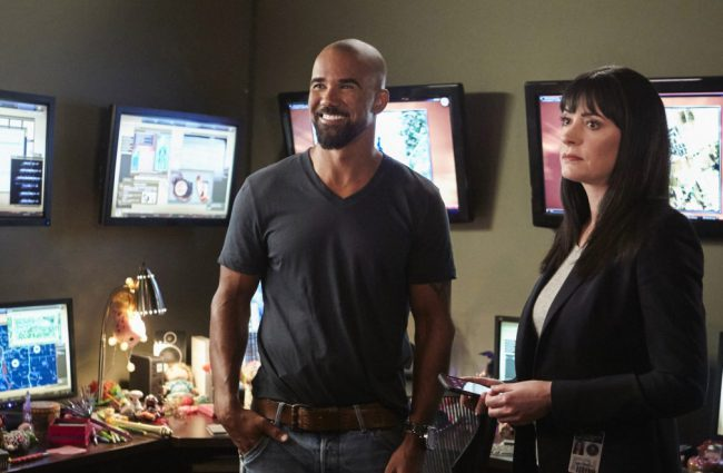 S.W.A.T. and former Criminal Minds mainstay Shemar Moore is attractive in every sense of the word, not to mention he's got a perfect smile to go with that perfect face!
