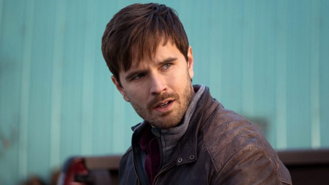 British Columbia native Graham Wardle got his big break playing troubled teen Ty Borden on the CBC series Heartland, which went on to be a big hit. With his blue eyes and shaggy brown hair, Graham soon became a heartthrob to women around the world and especially in Canada, where the show is in its […]