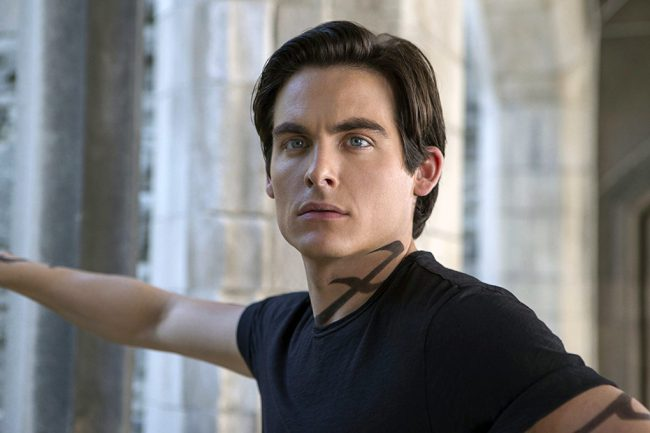 Kevin Zegers hit stardom by the age of 12, thanks to his role in the Air Bud series of films. In 2005, he earned critical acclaim for his role as a teenage hustler with a transgender father in the Oscar-nominated film Transamerica. On TV, he's played Damian on Gossip Girl, Owen on Gracepoint and Oscar […]