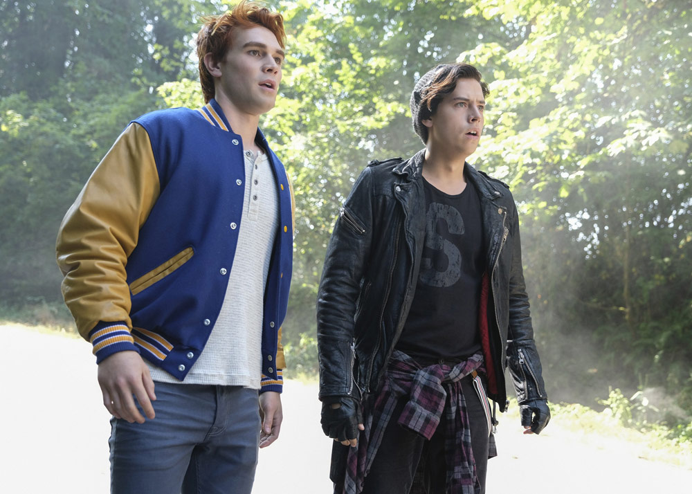 Archie (KJ Apa) and Jughead (Cole Sprouse)