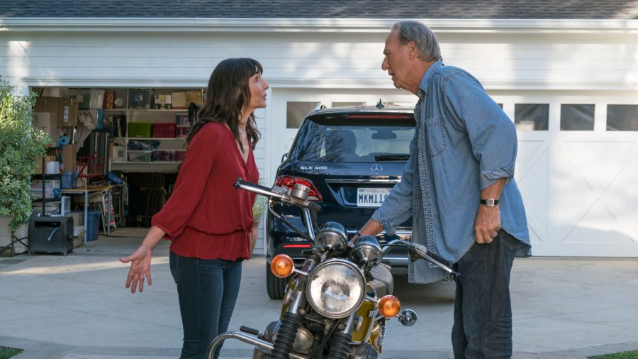 Mary Steenburgen and Craig T. Nelson in Book Club