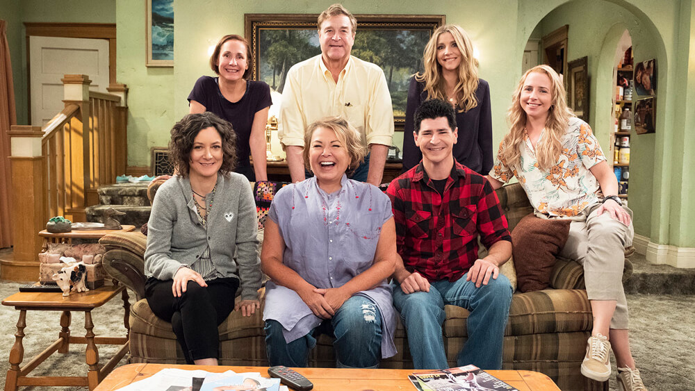 The cast of the revamped Roseanne in 2018