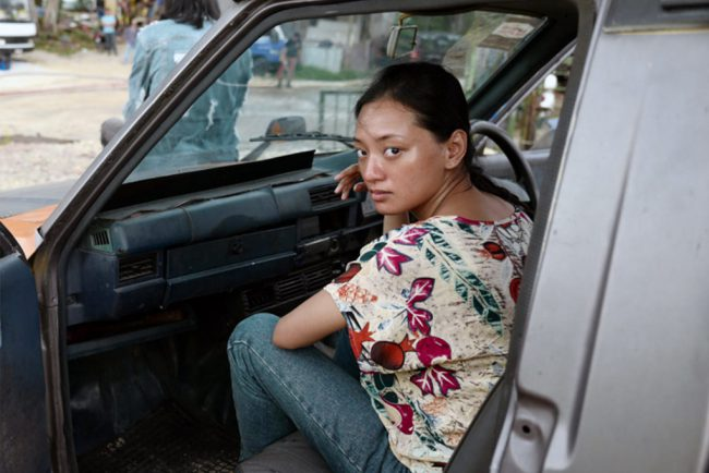 In Kuala Lumpur, idealistic police recruit Hussein is paired with senior cop Hassan. Hussein soon begins to suspect his partner is taking bribes. Meanwhile, immigrant Sugiman and his sister Sumiati arrive in Kuala Lumpur, where they find work. Sumiati, feeling she's being taken advantage of in her job as a domestic, wants to return home […]