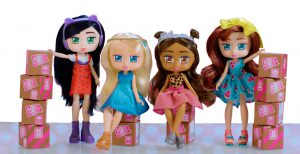 Boxy Girls dolls with boxes