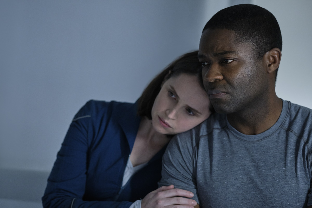 Felicity Jones and David Oyelowo in The Midnight Sky