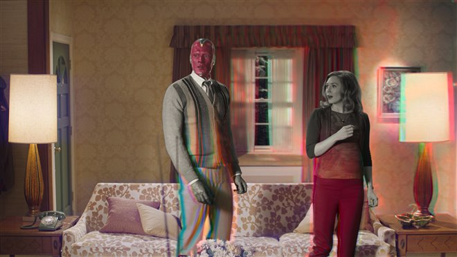 Elizabeth Olsen and Paul Bettany in Wanda Vision