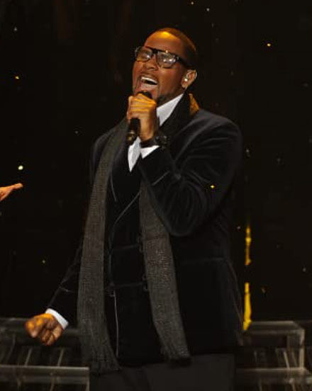 R. Kelly performing on The X Factor in 2011