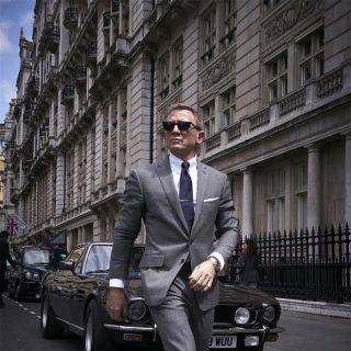 What does Daniel Craig think about a female Bond?