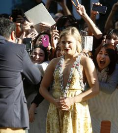 Chloë Grace Moretz is luminous at the premiere of Brain on Fire