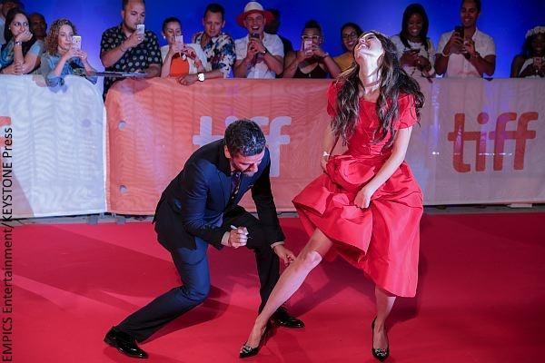 Oscar Isaac and Charlotte Le Bon