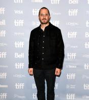 Darren Aronofsky posing for photos