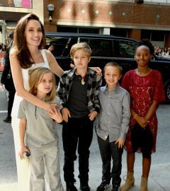 Angelina Jolie brings kids to The Breadwinner red carpet