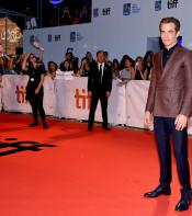 Outlaw King star Chris Pine on the Red Carpet