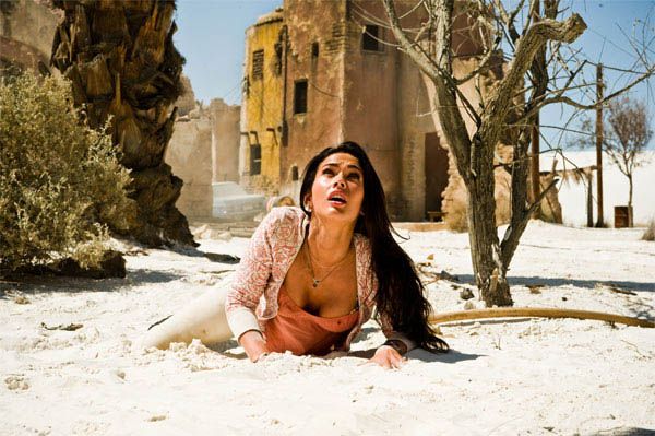 Megan Fox gets dirty in the desert battle