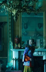 Alice Through the Looking Glass Photo 43