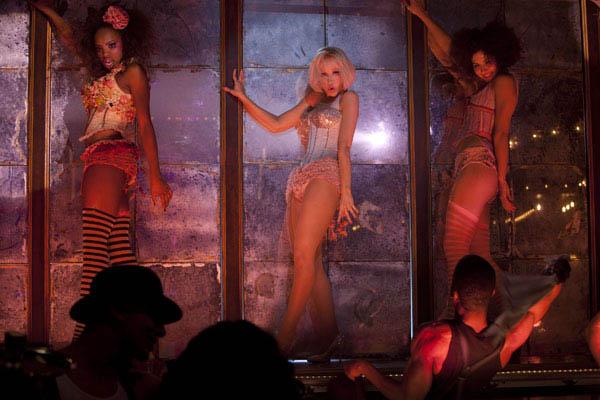 Burlesque Photo 9 - Large