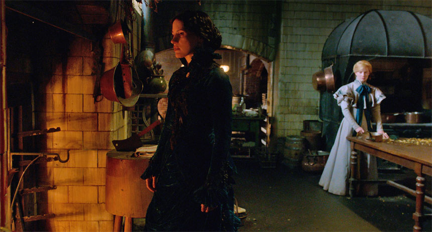 Crimson Peak Photo 8 - Large