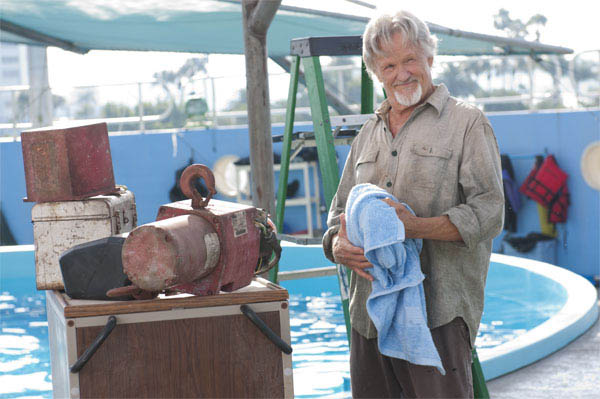 Dolphin Tale Photo 26 - Large