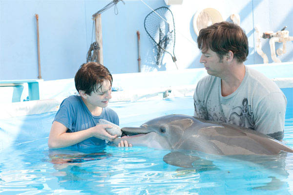 Dolphin Tale Photo 12 - Large