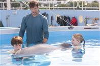 Dolphin Tale Photo 14